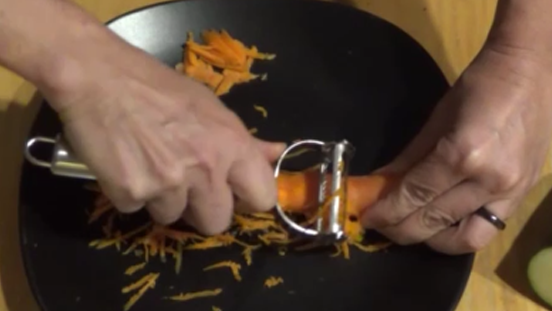 How to use a julienne vegetable peeler