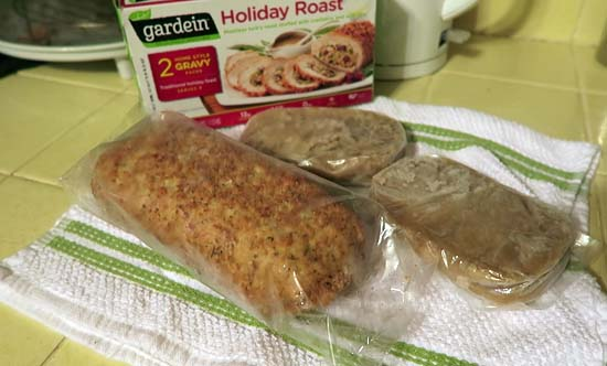 unboxing gardein holiday roast
