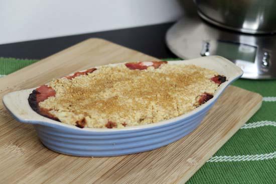 vegan rhubarb crumble