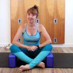sukhasana knee pain